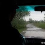 Naša cesta naspäť v daždivom počasí
